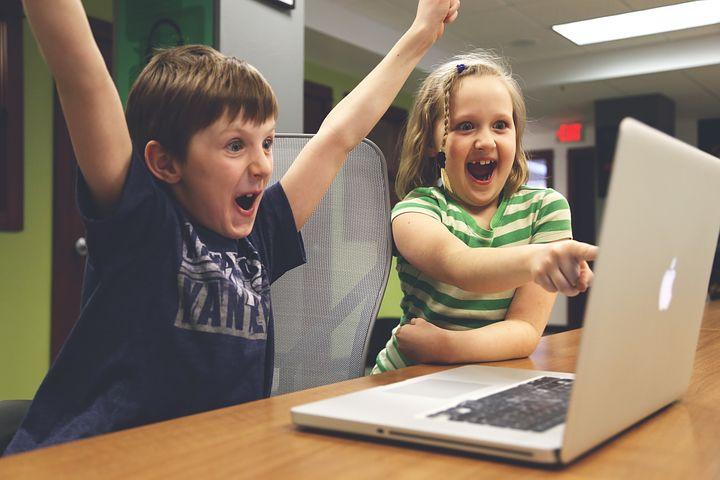 Créer son propre site web soi-même : un jeu d'enfant ?